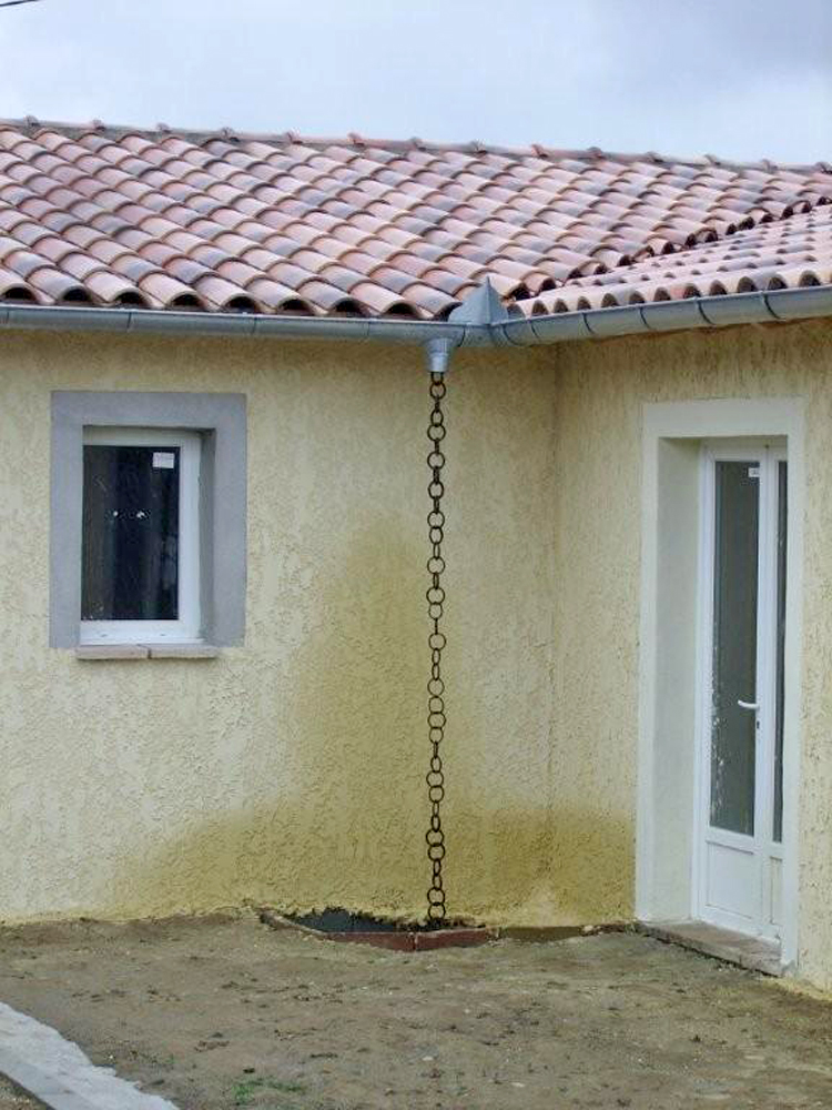 Conseils toitures r novation d 39 une toiture for Descente eau pluviale zinc