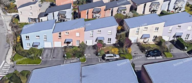 maisons toit rue.jpeg
