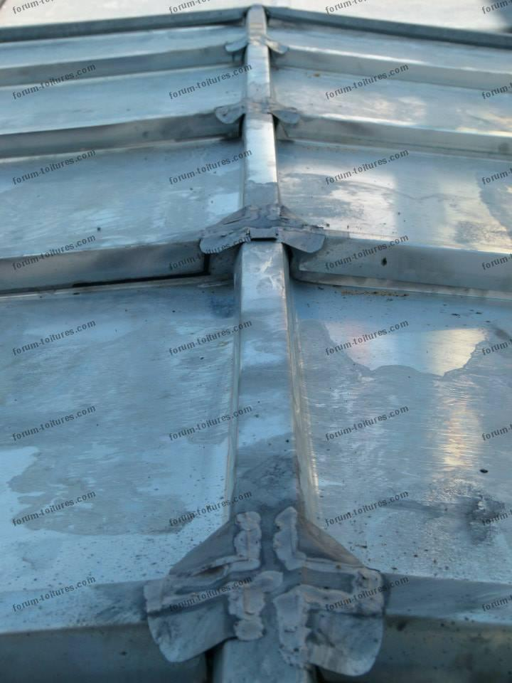r novation toitures toiture en zinc avis couvreur travaux toiture en zinc questions r ponses. Black Bedroom Furniture Sets. Home Design Ideas